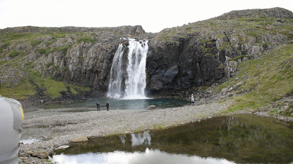 Wasserfall bei Reykjarfjördur